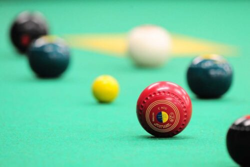 Image of bowls on a green mat